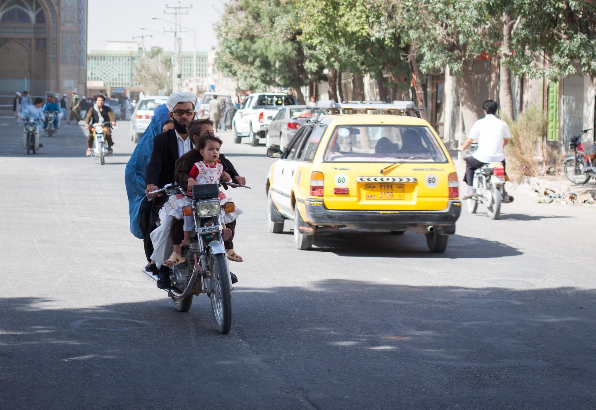 Street scene in Kabul. Photo: Danish Refugee Council/Erick Gerstner