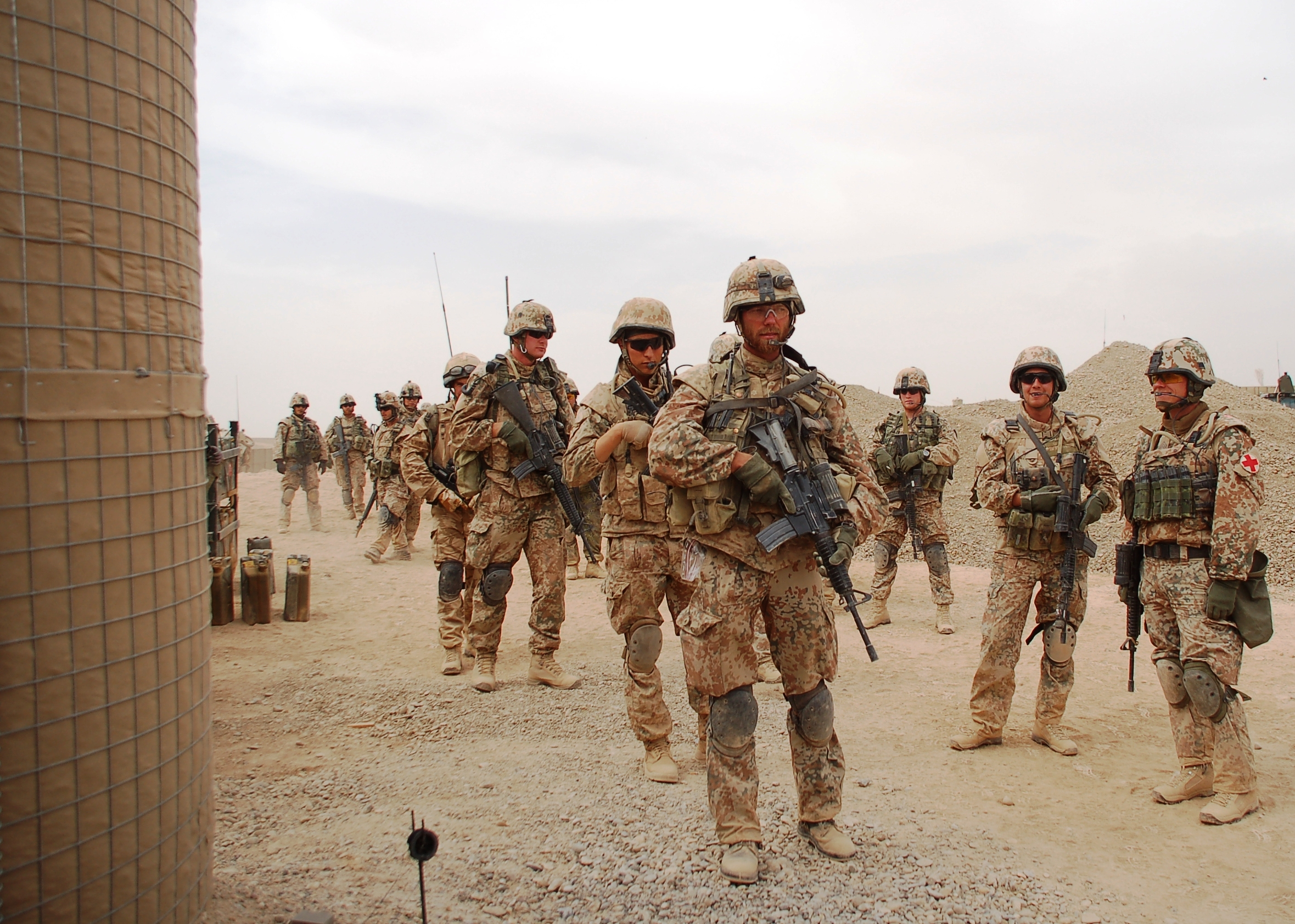 The Royal Life Guards going through the Green Zone from the Armadillo base. Photo: HOK, 2008