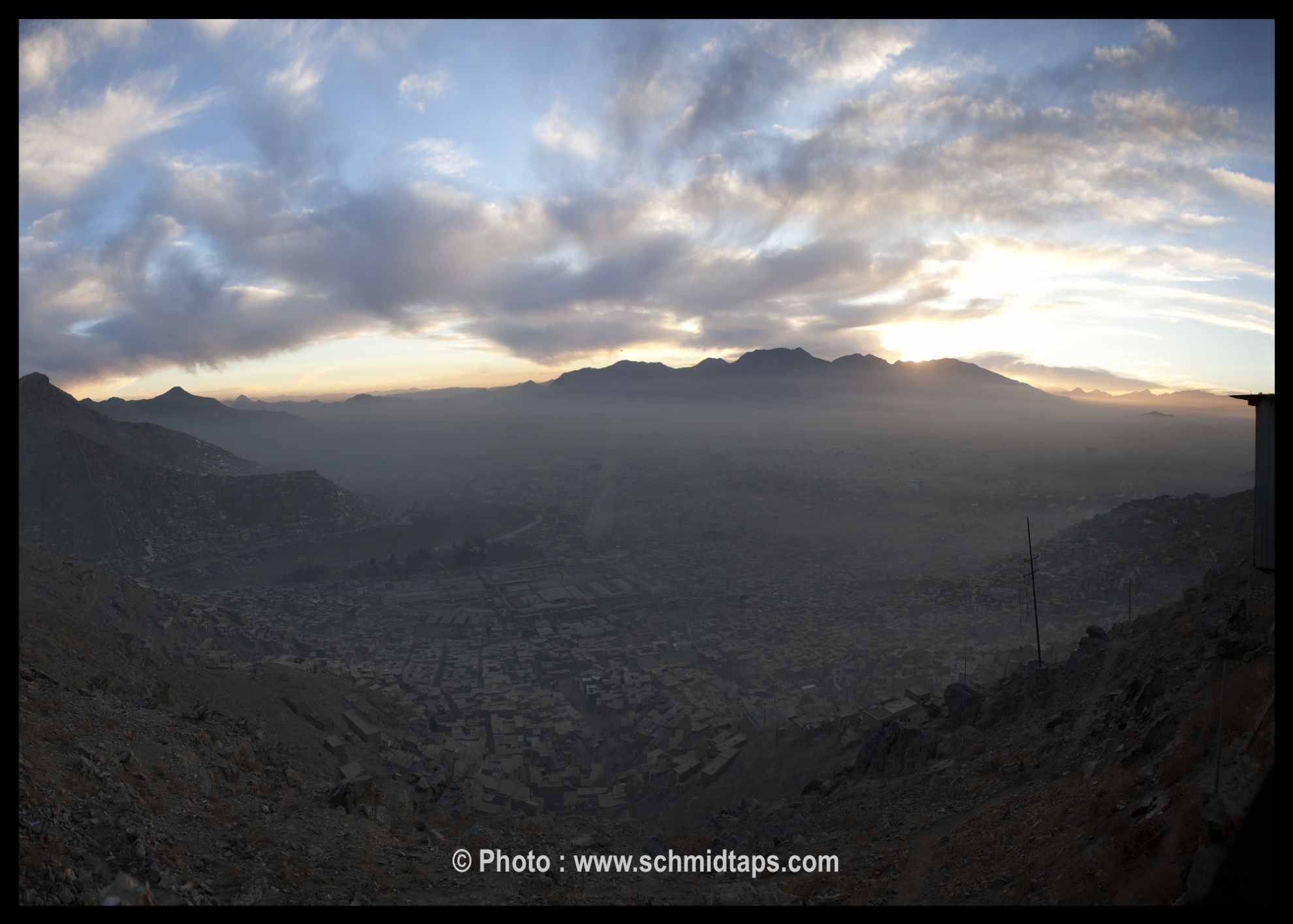 kabul_panorama_smog_sunset