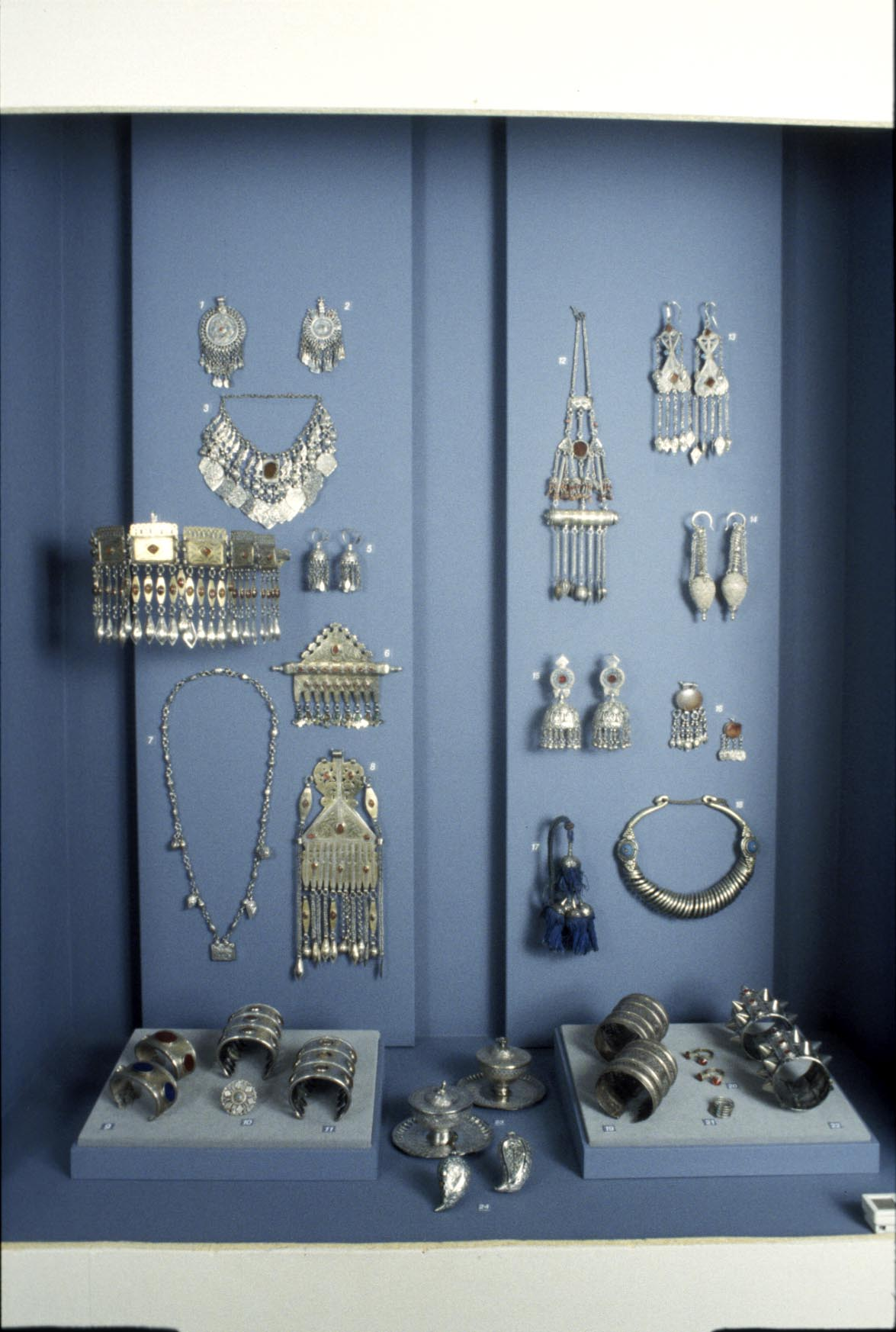The collection of nomad jewellery attracted much attention at the exhibition. Photo: Moesgaard Museum