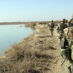 The fear of mines was great among the Danish soldiers, here on patrol along the Helmand River. The mines have killed or wounded numerous soldiers. Photo: HOK, 2008