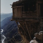 Houses in Nuristan are usually placed on mountain slopes. Photo: the Moesgaard Museum archives, 1953-'55