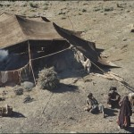 Life as a nomad can be very tough, but there is also time for a break now and then. Here in a camp during the spring migration. Photo: Jean Bourgeois, 1968