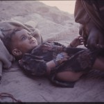 A very young nomad looking at her mother. Photo: Jean Bourgeois, 1971